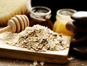 Oatmeal madu jadikan masker wajah kering dan sensitif